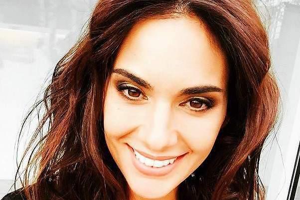Elena Gomez leva Javi Garcia para o 'clube dos casados'