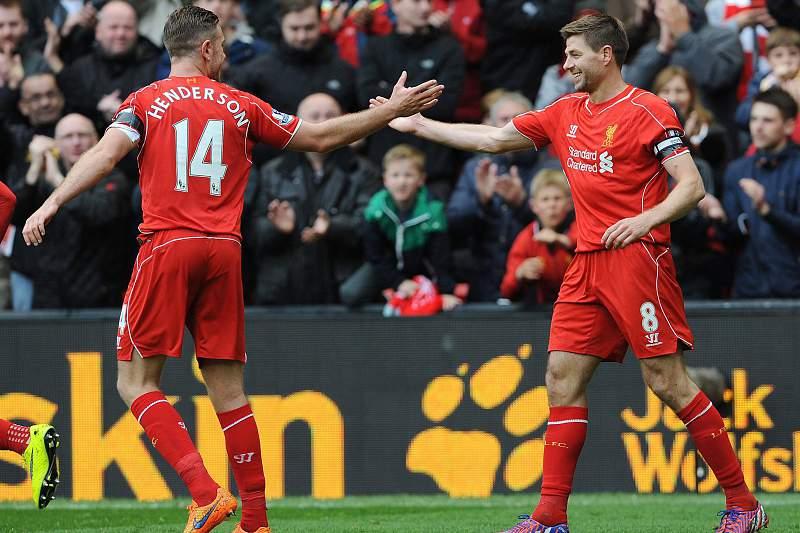 Gerrard passa braçadeira de capitão para Henderson