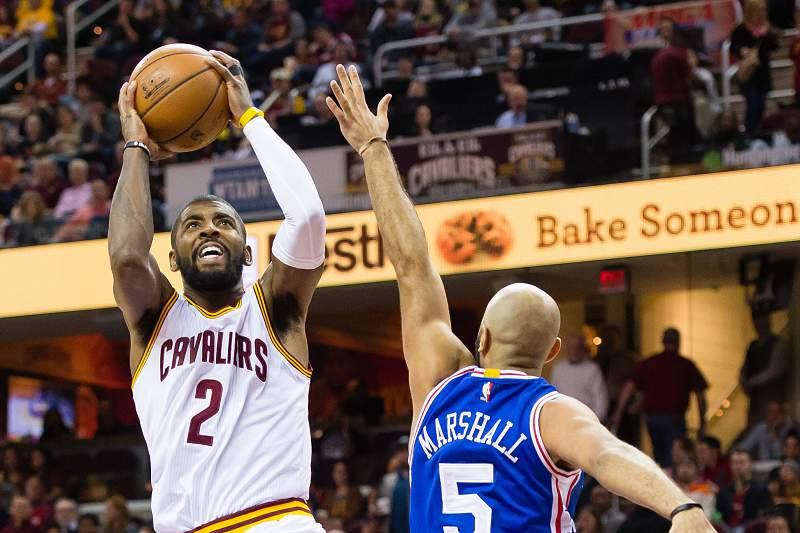 Kyrie Irving regressou na vitória dos Cleveland Cavaliers por 108-86 sobre os Philadelphia 76ers