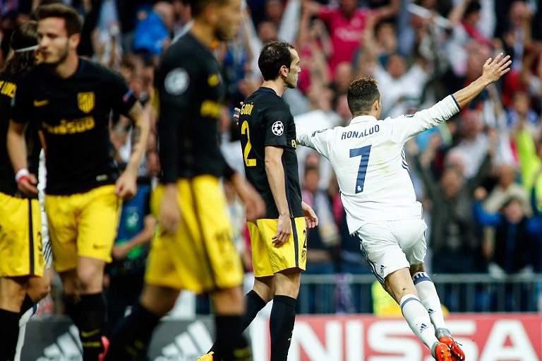 Ronaldo celebra um golo na primeira mão das meias-finais da Champions
