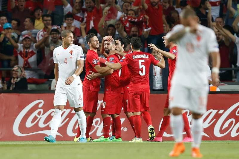 Arda Turan celebra o golo da Turquia