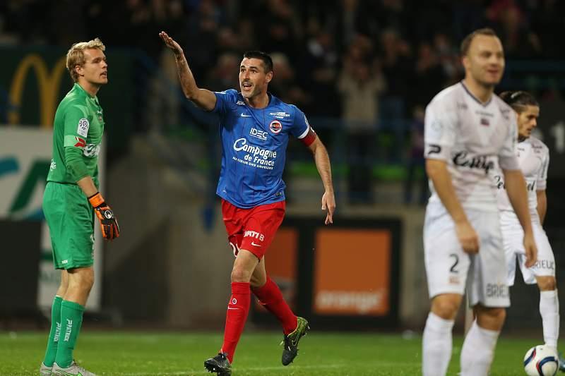 Julien Féret abriu o marcador para o Caen