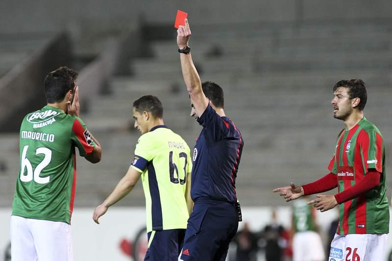 Manuel Oliveira expulsa Maurício no Marítimo-SC Braga