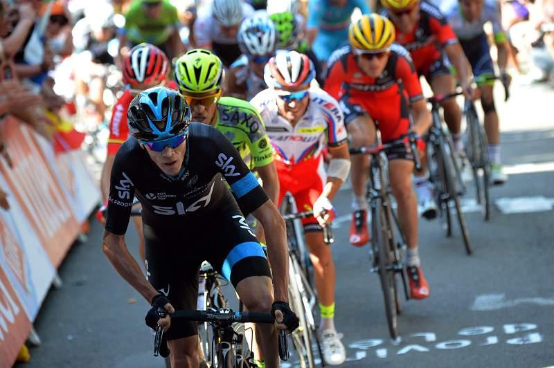 Froome surpreso com amarela, num dia em que as pernas de Contador pararam