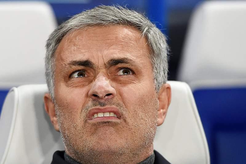 José Mourinho admite que o Chelsea não ficará entre os quatro primeiros da liga inglesa