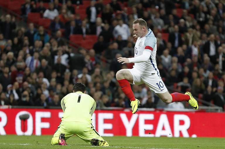 Inglaterra vence Portugal
