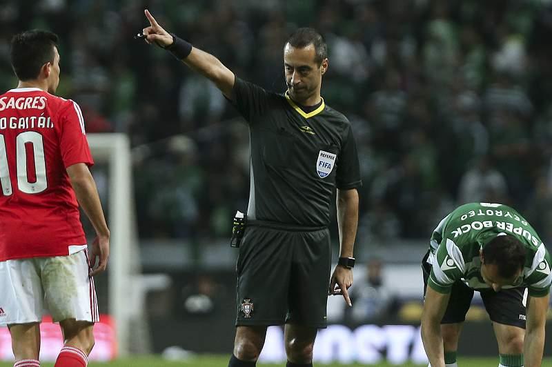 Jorge Sousa dá indicações durante o jogo da Taça de Portugal entre Sporting e Benfica