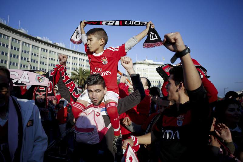 Adeptos do Benfica no Marquês