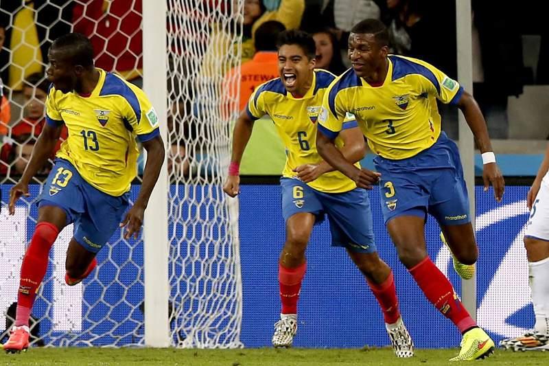 Equador festeja golo