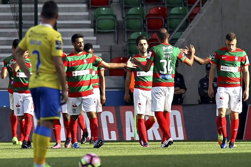Marítimo vira resultado com Arouca e pressiona Vitória de Guimarães