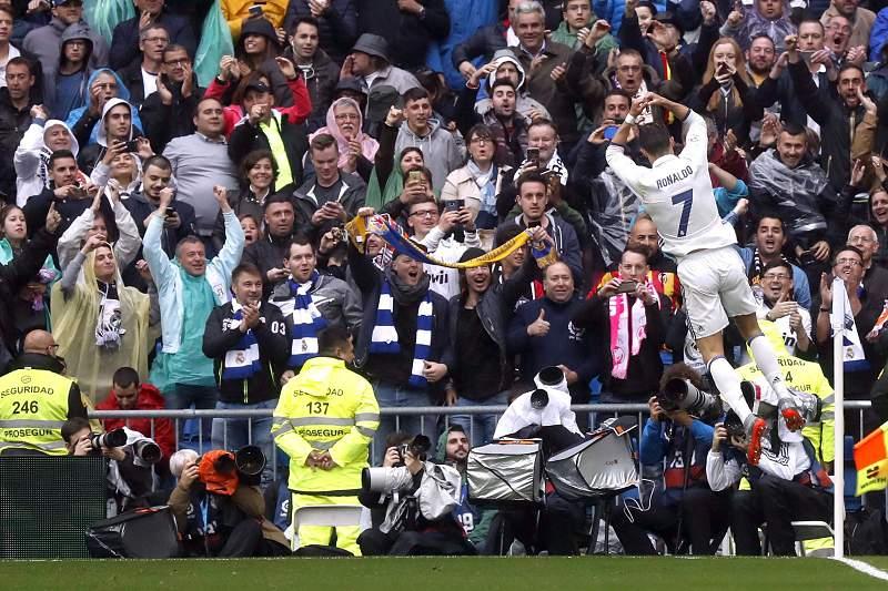 Ronaldo celebra o golo ao Valência