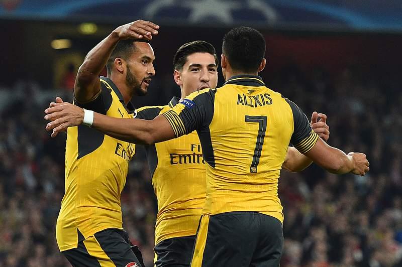 Arsenal sobe provisoriamente ao primeiro lugar