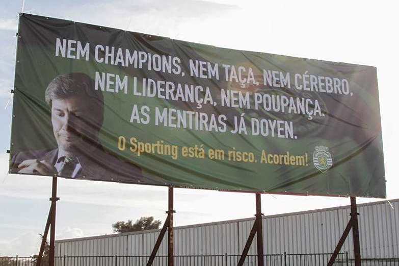 Cartaz contra Bruno de Carvalho