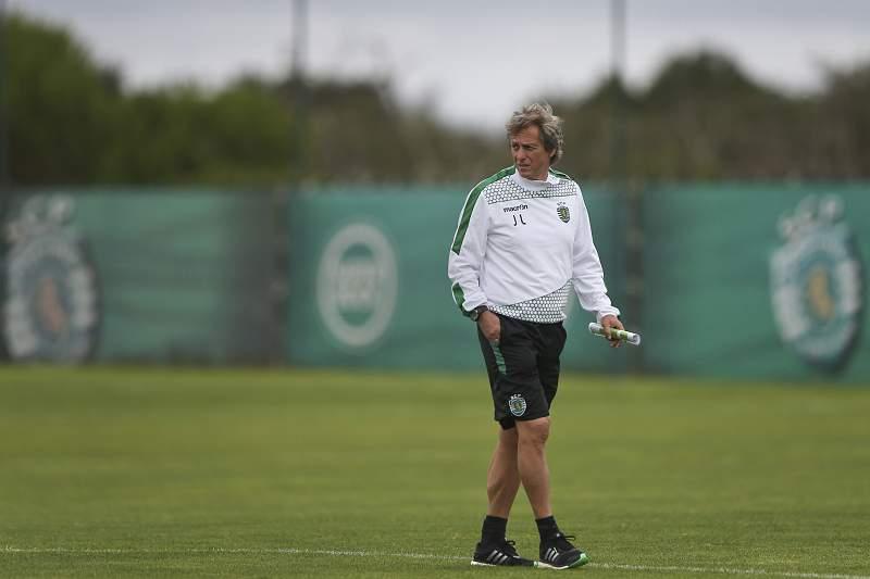 Jorge Jesus durante um treino na Academia do Sporting em Alcochete
