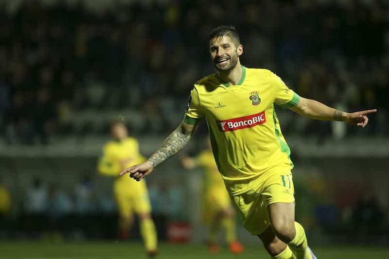 O jogador do Paços de Ferreira, Bruno Moreira, festeja um golo