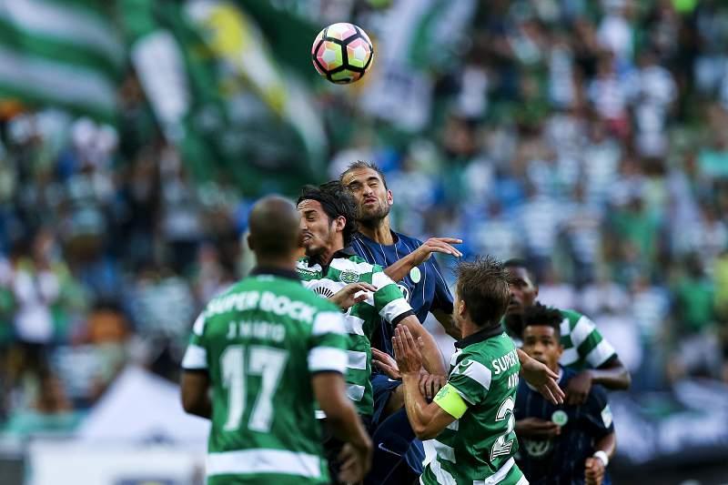 Adrien, João Mário e William Carvalho voltaram a ser titulares na equipa do Sporting e as diferenças foram notórias