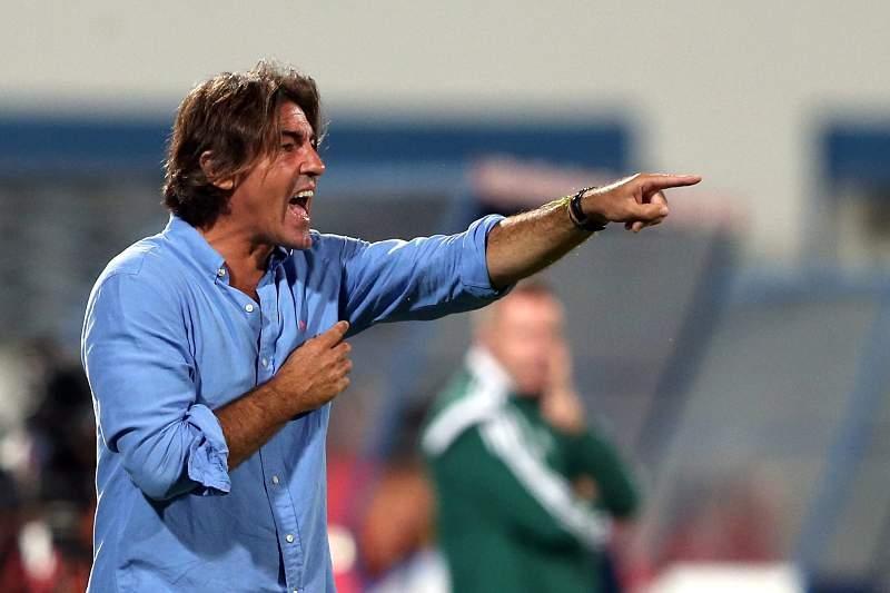 Sá Pinto dá indicações durante o jogo com o Altach