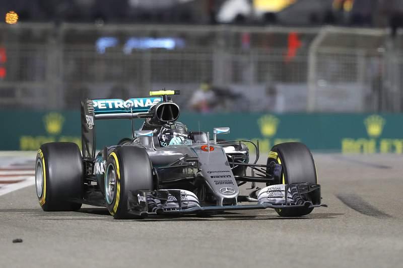 Rosberg conquista título mundial de Fórmula 1 apesar da vitória de Hamilton