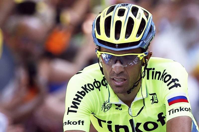 Alberto Contador abandonou no decurso da nona etapa