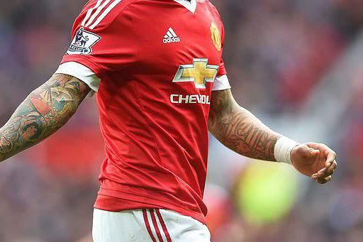 Manchester United pondera trocar Depay por Man
