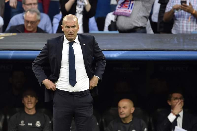 Zidane reage durante o jogo entre Real Madrid e Bayern Munique