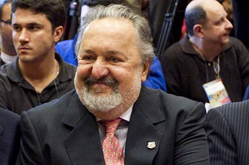 Morreu Oliveira Ribeiro, ex-presidente do Santos, que liderou transferência de Neymar