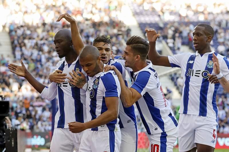 Danilo marcou o primeiro golo do FC Porto