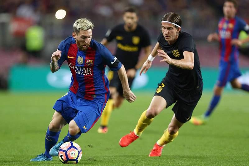 Lionel Messi em ação no jogo entre Barcelona e Atlético Madrid