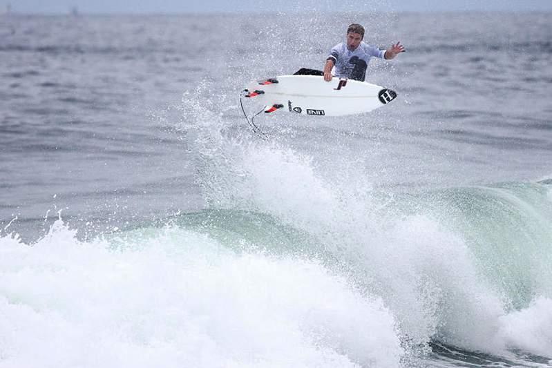 Surf: Vasco Ribeiro nos 1/4 de final do QS de Newcastle