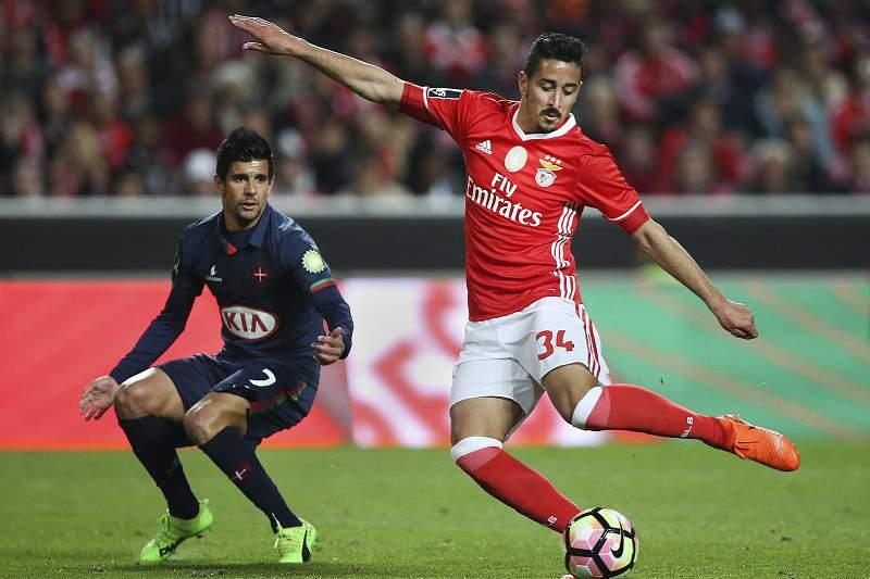 André Almeida marcou o golo inaugural do Benfica na vitória sobre o Belenenses