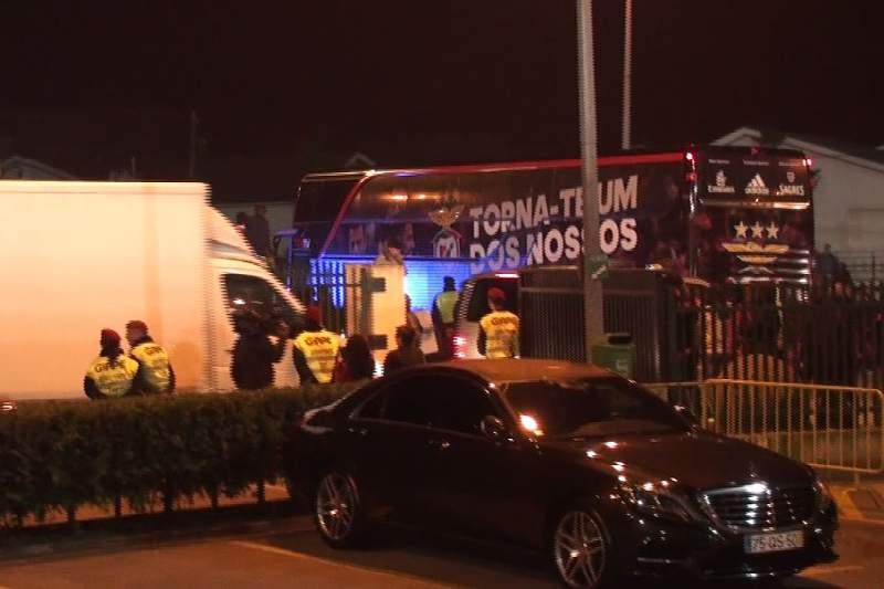 Agressões e insultos após o Paços - Benfica