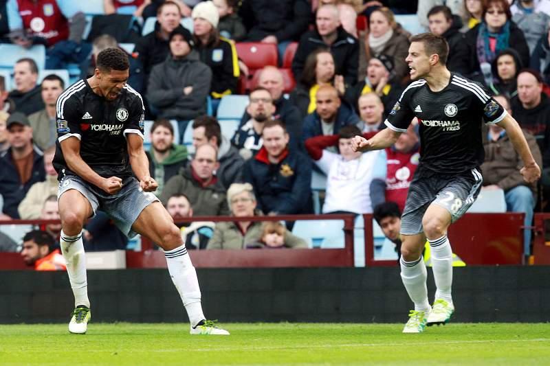 Ruben Loftus-Cheek celebra um golo pelo Chelsea diante do Aston Villa