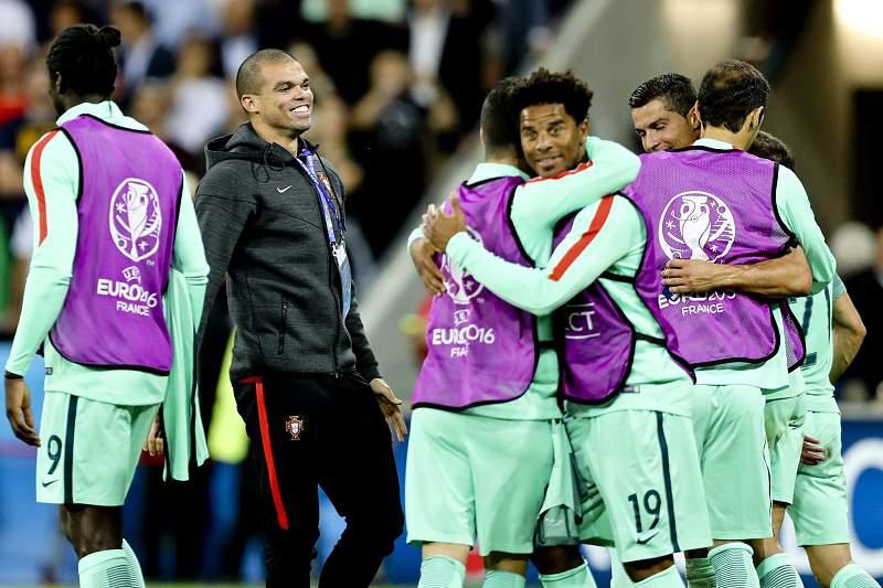 Portugal festeja passagem à final do Euro2016