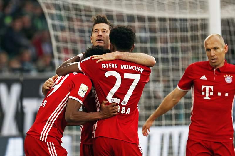 Bayern esmaga Wolfsburgo e sagra-se pentacampeão alemão