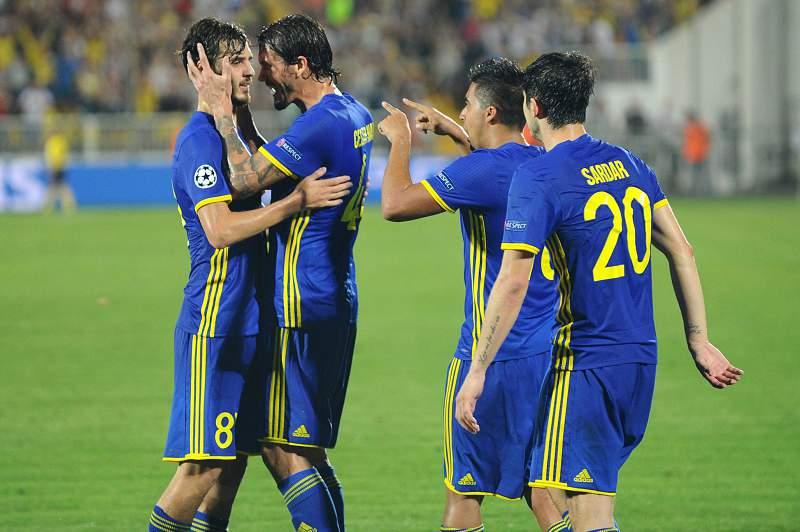 Jogadores do Rostov celebram a vitória