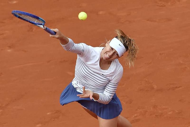 Maria Sharapova em ação no torneio de Roland Garros 2015