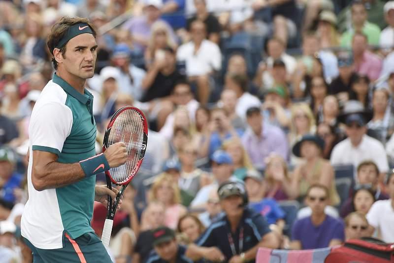 Federer avança para a quarta ronda
