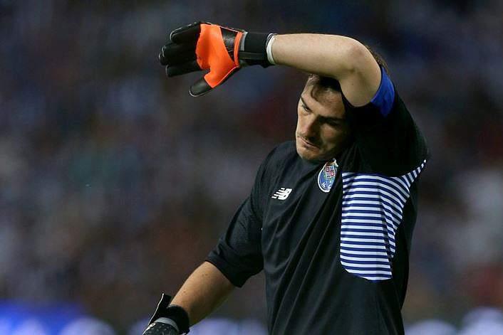 Erro de Casillas na mira da imprensa espanhola