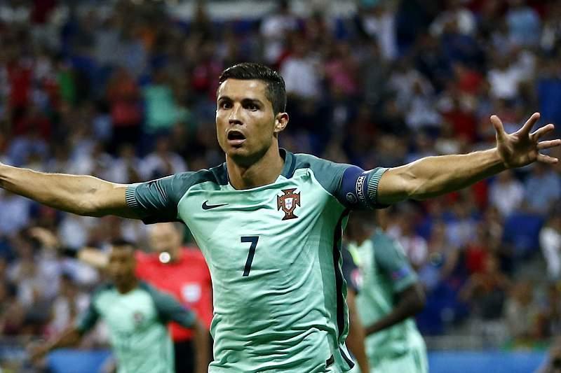Portugal - País de Gales: Ronaldo celebra golo