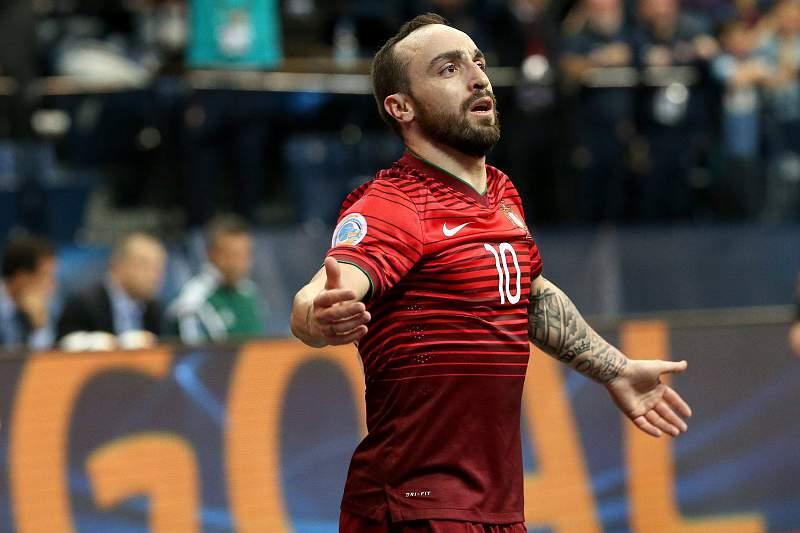 Golo de Ricardinho entre os melhores da UEFA