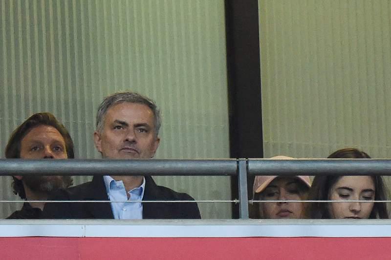 Mourinho defronta Guardiola na 4