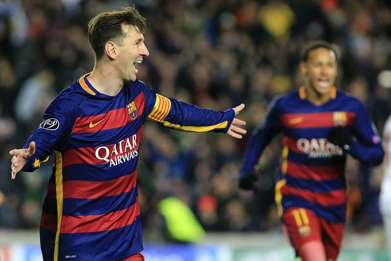 Messi festeja golo com Neymar