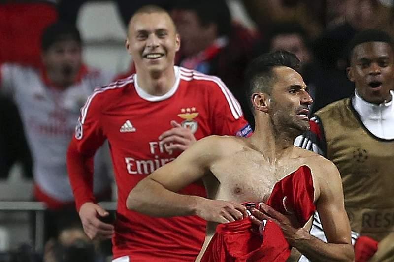Jonas dá vantagem ao Benfica contra o Zenit