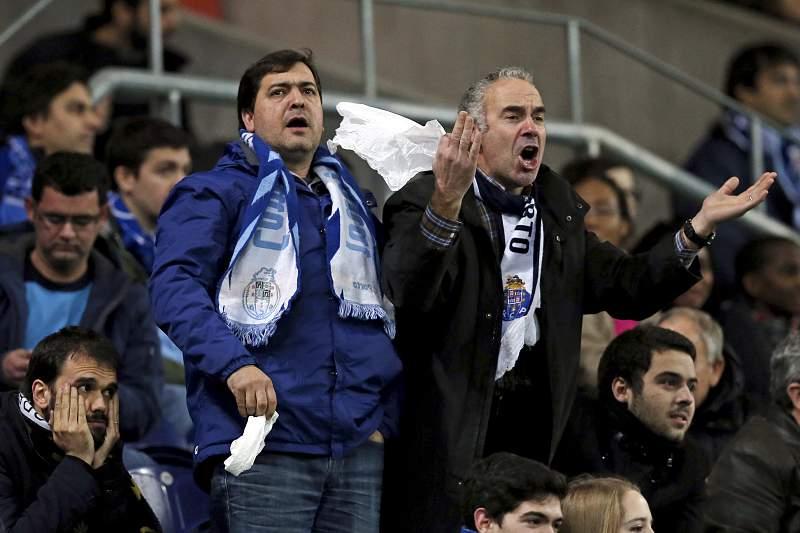 Adeptos do FC Porto contestam Lopetegui no FC Porto - Rio Ave
