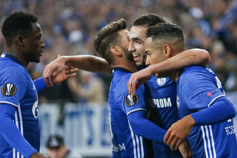 Schalke 04 goleia Leverkusen e sobe a oitavo