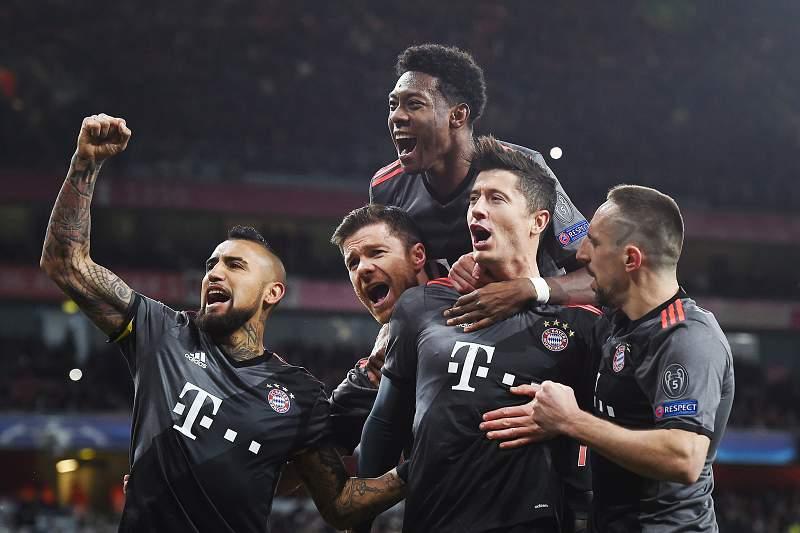 Robert Lewandowski celebra o golo da equipa de Munique