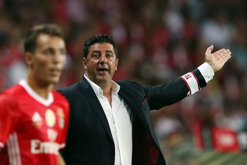 Defeso morno 'beneficia' Benfica e Sporting, FC Porto ainda uma inc