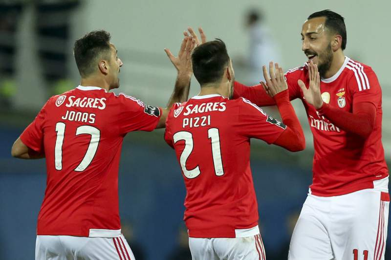Jonas, Pizzi e Mitroglou