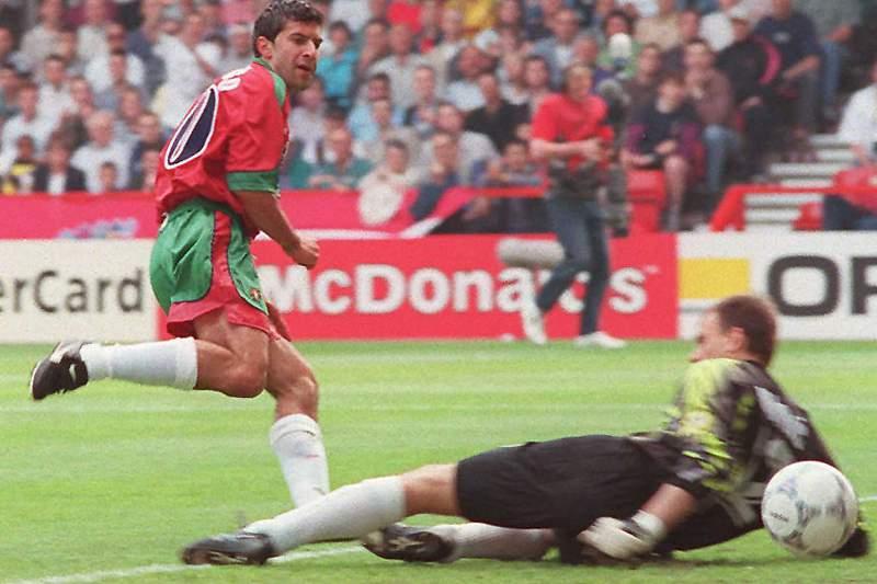 Luís Figo no momento do golo frente à Croácia em 1996
