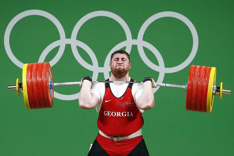 Lasha Talakhadze vence medalha de ouro na categoria +105kg